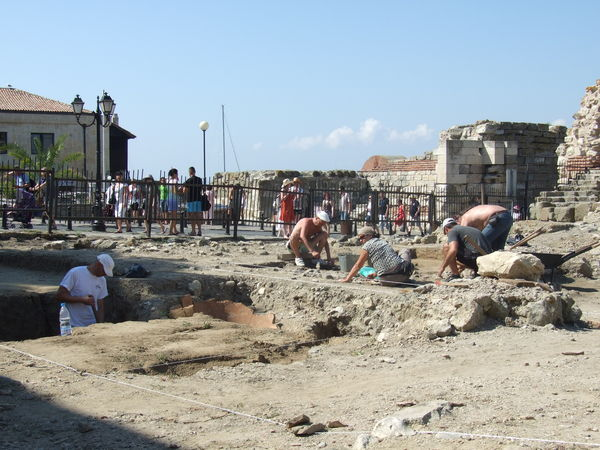 Нови археологически проучвания в Несебър
